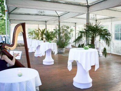 Hochzeit Dekoration Luftburg Terasse Frühling