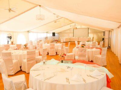 Tischaufstellung_Hochzeit_Feenzelt